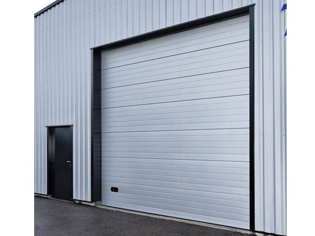 Porte sectionnelle de hangar